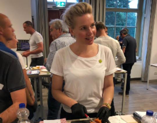 Gezonde kookworkshop op locatie | Workshop gezonde hapjes |Workshop gezonde borrelhapjes maken | Workshop gezonde lunch maken| Workshop gezond diner maken | Workshop gezond buffet | Workshop gezonde voeding| Workshop gezonde maaltijd maken | Kookworkshop voor grote groepen | Workshop Gezond eten thuis en op het werk| Workshop Gezond afvallen met je collega's | Workshop Gezond eten en leven in ploegendienst | Vitale gezonde workshops | Vitaliteitsprogramma | Workshop gezonde leefstijl in ploegendienst| Gezondheidsprogramma| Gezonde werknemers in ploegendienst | Gezonde leefstijl | Leefstijlprogramma | Trainingen | Workshops | Vitaal | Teambuilding | Consultancy voor bedrijven | Verenigingen | Leuke gezonde workshop met collega's |FOODQUIZ | Gezonde kookworkshops op locatie |Voedingsadvies op locatie | Docent voeding- en leefstijl | Lezing gezond eten | Juiste voeding op het werk | Gezonde werknemers | Fitte werknemers | Preventief medisch onderzoek (PMO) | Gezondheidscampagne | Gezondheidsprogramma |Organisatie gezondheidsdag | Gezonde act | Gezondheidsprogramma's op maat | Gezond life-entertainment | Gezonde Sinterklaasshow | Sinterklaas | Theatershow | Werk | Collega's | Bedrijven | Workshop Vitaliteit | Workshop gezonde leefstijl | Voedingsworkshop | Voedingsadvies bedrijven | Gezond entertainment | Gezonde hostesses | Gezond theater | Gezonde smaakles |Gezonde smaaklessen | Workshop gezond eten kinderopvang | Gastles gezonde voeding | BSO | Docent gezonde voeding | Kinderopvang | Gezonde voeding kinderopvang |